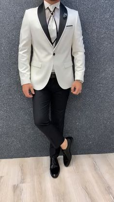 Name: GentWith Aalvert Slim Fit Groom Suit - White Collection: Fall – Winter Product: Slim Fit Groom Suit Color Code: White Size: Suit Material: Viscose, Polyester Ma Mens Casual Suits, Mens Fashion Suits, Prom Suits For Men, Slim Fit Tuxedo, Tuxedo For Men, Slim Suit, Summer Outfits Men, Stylish Mens Outfits, Summer Clothes