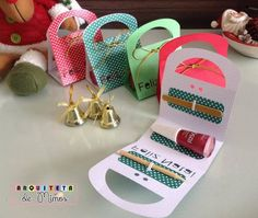 61 ideas for diy geschenke mama geburtstag Homemade Gifts, Diy Gifts, Boite Explosive, Party Nails, Mom Day, Ideas Para Fiestas, Party In A Box, Creative Gifts, Small Gifts