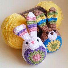 thegirllovesyarn crochet bunnies #CrochetEaster
