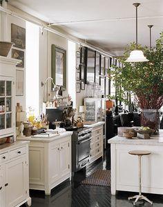 Kitchen, black and white, Roman & Williams