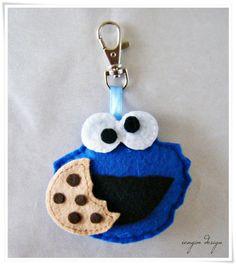 The Most Beautiful Felt Keychain Models, Patterns and Samples - - Diy Keyring, Felt Keychain, Keychains, Felt Diy, Felt Crafts, Felt Finger Puppets, Polymer Clay Kawaii, Softie Pattern, Rock Crafts