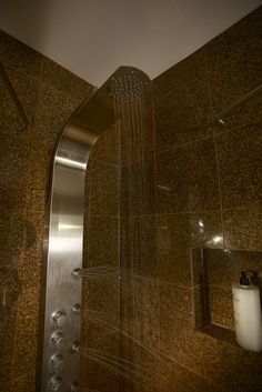 Upper View Of The VG08005 Shower Massage Panel Featuring A Round Rain Shower  Head And The
