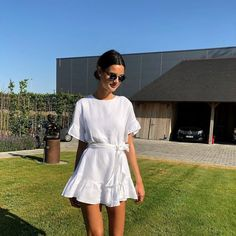 beautiful summer outfits - Find the most beautiful outfits for your summer look. Simple Dresses, Cute Dresses, Casual Dresses, Casual Outfits, Summer Dresses, Simple Outfits, Evening Dresses, Fashion Mode, Look Fashion