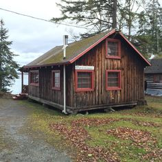 These beautiful lakeside cabins are located near Baxter State Park in Maine.