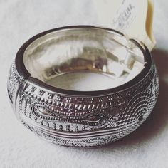 NWT Silver BOHO Hinge Bangle Brand new with tags. Very high quality costume jewelry. No trades no PayPal. 🎉Host Pick Trends to Try Party 11/1/14🎉 Host Pick Retro Glam Party 4/17/15🎉 Jewelry Bracelets