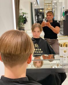 Bowl Haircuts, Pageboy, High And Tight, Mens Hair Trends, Bald Fade, Bowl Cut, Comb Over, Crew Cuts, Pompadour