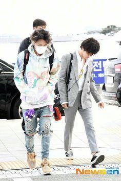Bobby, Airport Style, Airport Fashion, Double B, Kim Hanbin, Poses, Yg Entertainment, South Korean Boy Band, Boy Bands