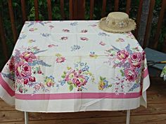 VINTAGE LINENS - The Printed Tablecloth Corner