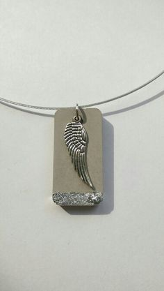Pin by Marcelita Hurley on joyasconcreto Diy Schmuck, Schmuck Design, Cement Jewelry, Ring Bracelet Chain, Cement Crafts, Homemade Jewelry, Diy Earrings, Polymer Clay Jewelry, Jewelry Crafts