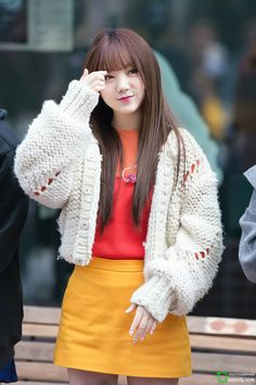 Lovelyz Kei Ulzzang Fashion, Kpop Fashion, Korean Fashion, South Korean Girls, Korean Girl Groups, Lovelyz Jiae, Strawberry Hair, K Idol, Hip Hop Fashion