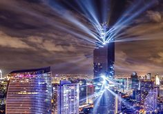 Thailand's tallest building MahaNakhon shines in Bangkok sky with dramatic light show (PHOTOS) | Coconuts Bangkok