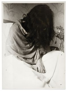 Mis fotos favoritas de Frida ♥ Frida Kahlo, 1946, en Nueva York. Foto Nickolas Murray