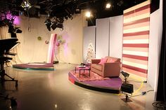 University of Bedfordshire TV Studio Studio Tv, Web Studio, Studio Setup, Small Studio, Studio Lighting, Bühnen Design, Tv Set Design, Stage Set Design, Church Stage Design