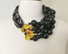 Fabulous Lucite Flowers Acrylic /& Wood Beads Necklace Angela Caputi