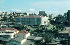 Edifício da Câmara Municipal de Luanda em 1973.