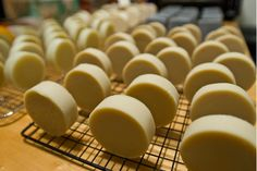 Natural Soap Recipes! Oh my lanta! This is perfect as a gift or just for some diy pampering.