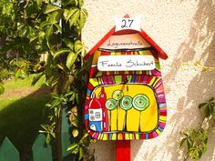 Briefkasten Hundertwasser Design - handemalt, personalisiert, individuell, Holz