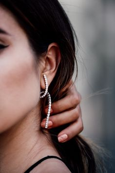 VivaLuxury - Fashion Blog by Annabelle Fleur: BACK TO BLACK ft. RYAN STORER spiral earring