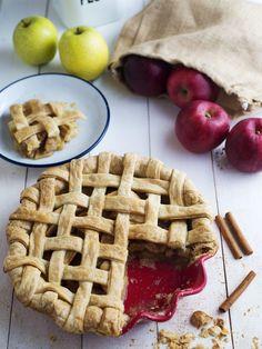 Mimiclaire Kitchen's Apple Pie Recipe