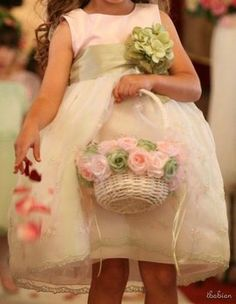 I want to make some fabric flowers and attach them to the baskets.