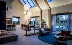 Design interieur, stephen versteegh, the art of living Dream Home Design, Modern House Design, Modern Interior Design, Luxury Interior, Interior Doors, Sheffield Home, Las Mercedes, Spanish House, Big Windows