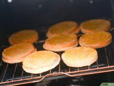 Como Fazer Ovos Benedict: 17 Passos (com Imagens) Muffin, Hamburger, Bread, Food, Easy Eggs Benedict, Classic Plates, Asparagus, Breakfast, Meals