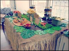 Safari Party Ideas Roundup Post - Real Time - Diet, Exercise, Fitness, Finance You for Healthy articles ideas Jungle Theme Parties, Jungle Theme Birthday, Safari Theme Party, Jungle Party, Adult Safari Party, Party Animals, Animal Party, Lion King Party, Lion King Birthday