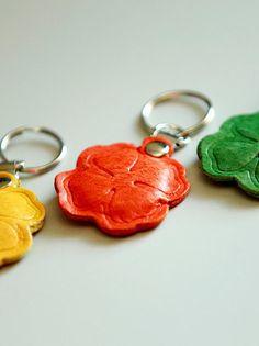 Best friend keychain clover womens mens  gift. by secondstudio