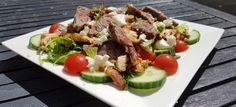 Steak salade avec shiitake et feta - kha friendly - Salade Low Carb Recipes, Healthy Recipes, Good Food, Yummy Food, Go For It, Low Carb Lunch, English Food, Fruits And Veggies, Food Inspiration