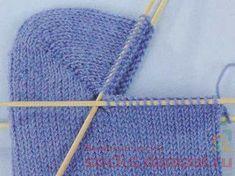 Knitting Stitches, Knitting Socks, Knitting Patterns, Crochet Slippers, Knit Crochet, Knitting Accessories, Mitten Gloves, Knitting Projects, Crafts