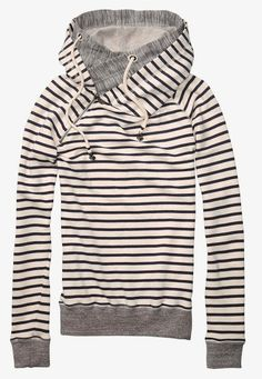 striped hoody. it looks so comfy.