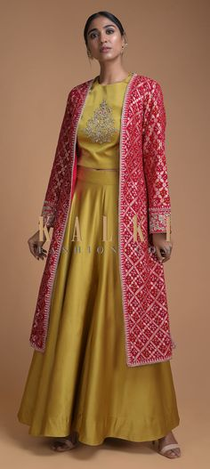 Gold Yellow Palazzo Crop Top Suit With Red Bandhani Printed Jacket Online - Kalki Fashion Floral Dress Outfits, Yellow Floral Dress, Fashion Dresses, Floral Maxi, Indian Designer Outfits, Indian Outfits, Designer Dresses, Lehenga Designs, Saree Blouse Designs
