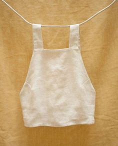 May 2019 - Simple white linen top for her Diy Wardrobe, Summer Wardrobe, Wardrobe Ideas, White Wardrobe, Diy Clothing, Sewing Clothes, Sewing Shorts, Diy Kleidung, Diy Vetement