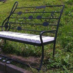 Music note bench
