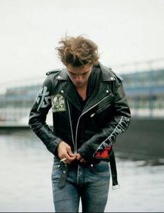 Robert Pattinson in Dossier magazine shot by Theo Wenner.