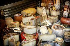 """""""Paradiso per i buongustai... #formaggio #formaggi #negozio #buongusto #buongustai #lucca #lucchese #toscana_amoremio #toscana #tuscany #toskania #italia…"""""""