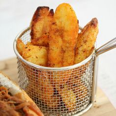 The best crispy potato wedges you'll ever eat! Lightly seasoned with lemon and paprika, then oven-baked to perfect crispiness!