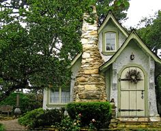 "Hugh Comstock's ""Hansel"" fairy tale cottage in Carmel-By-The-Sea"