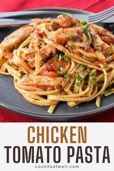 In this delicious pasta recipe, linguine noodles are tossed with seasoned chicken breasts and a quick and easy tomato sauce. This dish is easy, filling and budget friendly, perfect for busy weeknights. Chicken Tomato Pasta, Chicken Recipes With Tomatoes, Yummy Pasta Recipes, Healthy Recipes, Easy Tomato Sauce, Cooking For Beginners, Easy Family Dinners, Dinner Entrees, Linguine