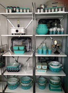 Pyrex collection. Display vintage Pyrex Kromex. Aqua, teal, turquoise