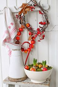White with a touch of red Scandi Christmas, Country Christmas, Red Christmas, Christmas Wreaths, Christmas Decorations, Holiday Decor, White Cottage, Cottage Style, Vibeke Design