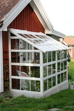 Best diy garden shed lean to 59 ideas Backyard Greenhouse, Small Greenhouse, Greenhouse Plans, Old Window Greenhouse, Homemade Greenhouse, Greenhouse Wedding, Portable Greenhouse, Winter Greenhouse, Gazebos