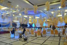 Silver Star Theme Party have different aura of decoration and feelings. Silver foil balloons will be hanging on the roof top , different variety of entry Star Theme Party, Party Themes, Shining Star, The Shining, It's Your Birthday, Birthday Parties, Birthday Organizer, Foil Balloons, Second Child