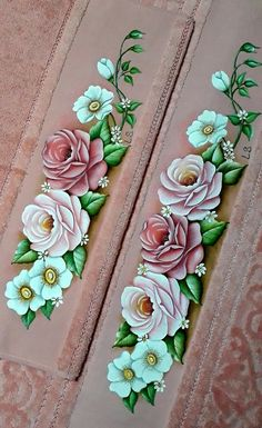 Fabric Paint Designs, Creative Cards, Fabric Painting, Art World, Folk Art, Diy And Crafts, Stencils, Craft Projects, Hand Painted