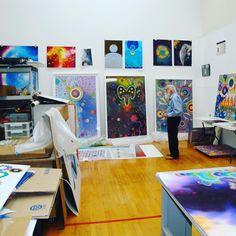 Este posibil ca imaginea să conţină: interior Contemporary Art, Gallery Wall, Studio, Amazing, Frame, Interior, Artist, Painting, Furniture