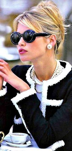 Chanel, vêtements et accessoires de qualités, noir et blanc, lunettes de soleil