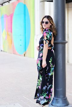 Romantic black floral maxi dress with open back for summer date night outfit inspiration. Click to see this and several more summer looks, featuring all of summer 17's hottest fashion trends and several #OOTD ideas on FabEveryday.com.