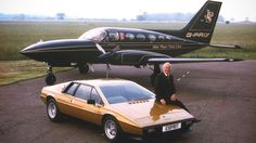 Cessna 414 in John Player Special livery, Colin Chapman, Lotus Esprit