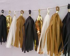 Academy Awards, Black and Gold Tissue Paper Tassel Garland, Oscars Party Decorations, Wedding Decora Graduation Decorations, Graduation Party Decor, Grad Parties, Birthday Party Decorations, Wedding Decorations, Black And Gold Party Decorations, Black Gold Party, Kindergarten Graduation, Graduation Ideas
