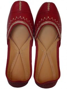 Golden Thread Work Mojari  Handmade Jaipur Jutti & Mojari With Golden Thread Work. These Mojari – Juttis Are Smooth And Very Comfortable For Export Quality. - See more at: http://www.shopee5.com/shop/foot-wear/handmade-golden-thread-work-mojri